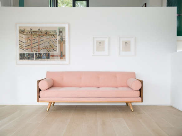 10 easy pieces: the pink sofa 11