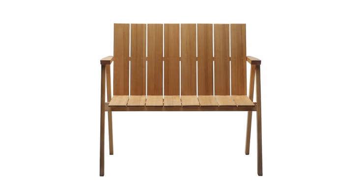 oak-wood-garden-bench-gardenista