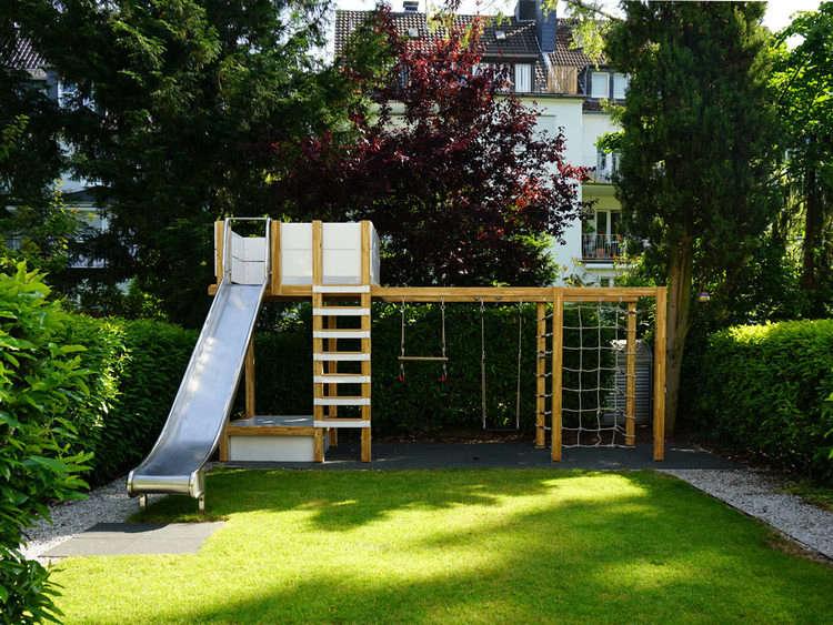 Ultimate Backyard Playground : swingsetbackyardplaystructuregardenista1