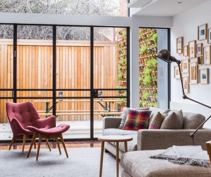 vertical-garden-wall-larritt-evans-1-gardenista
