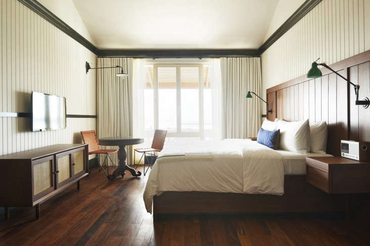 Ace hotel turns tropical in panama city remodelista for Decoration style colonial