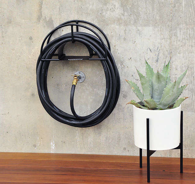 10 Easy Pieces Hose Hangers From High To Low Gardenista