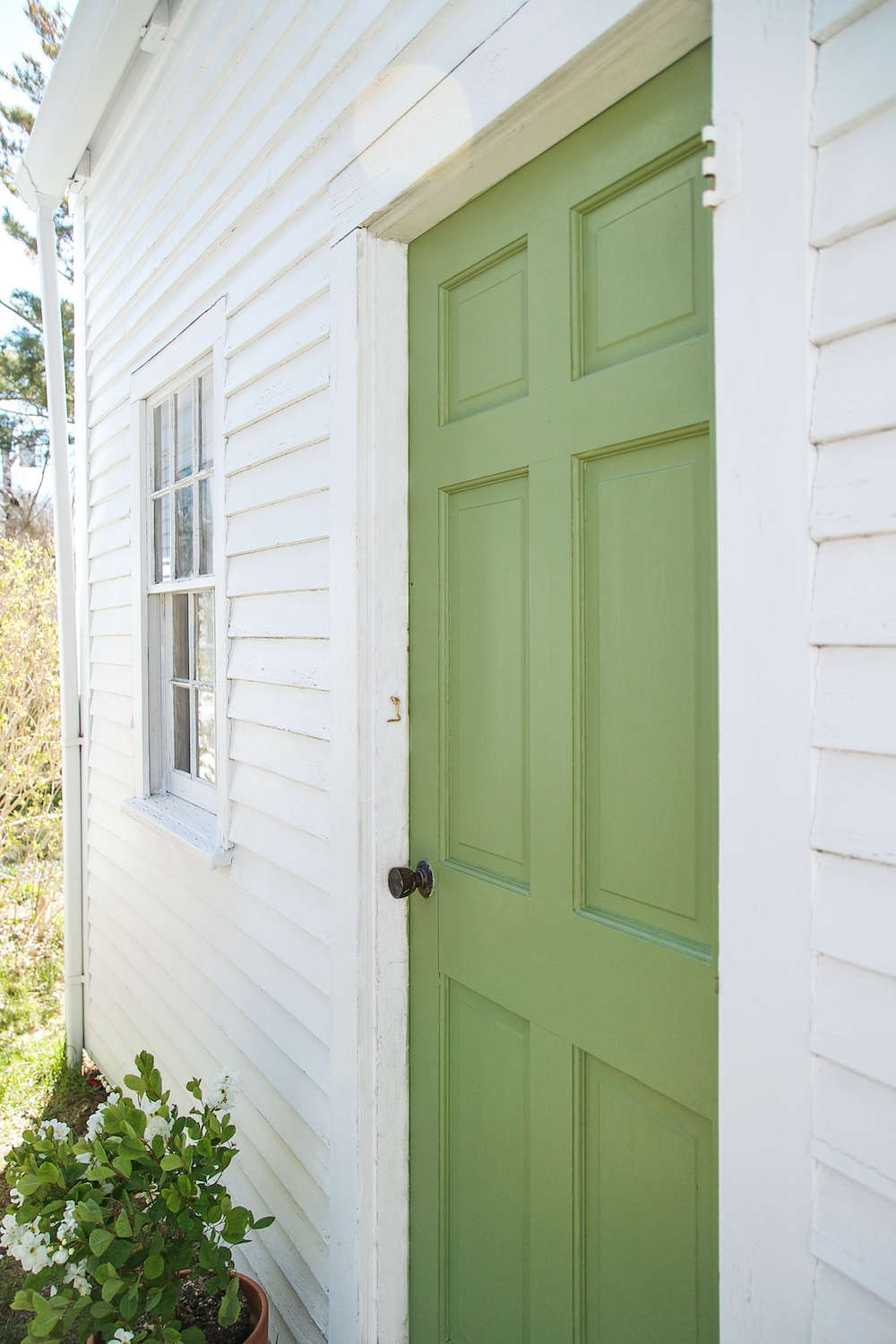 Sponsored A Spring Green Door On Cape Cod With Farrow