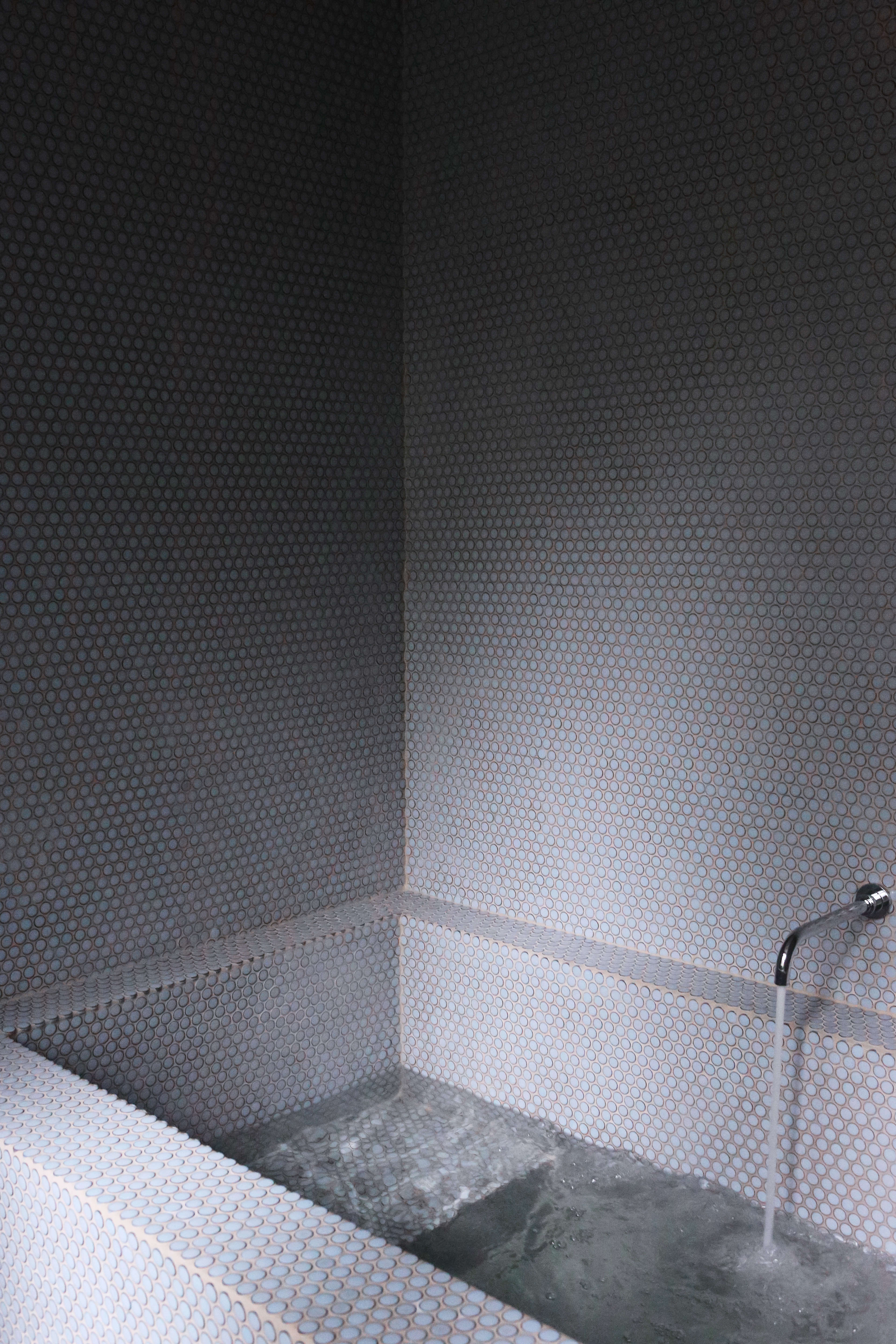 Tiled plunge pool bathtub at Jackie Winter Gardens, a guesthouse and artist residency outside Melbourne, Australia, designed by Searah Trotter of Hearth; Rhiannon Taylor photo| Remodelista