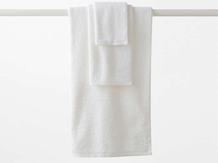 garnet-hill-white-towels-remodelista