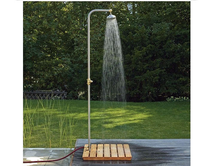10 easy pieces freestanding outdoor showers gardenista - How to make an outdoor shower ...