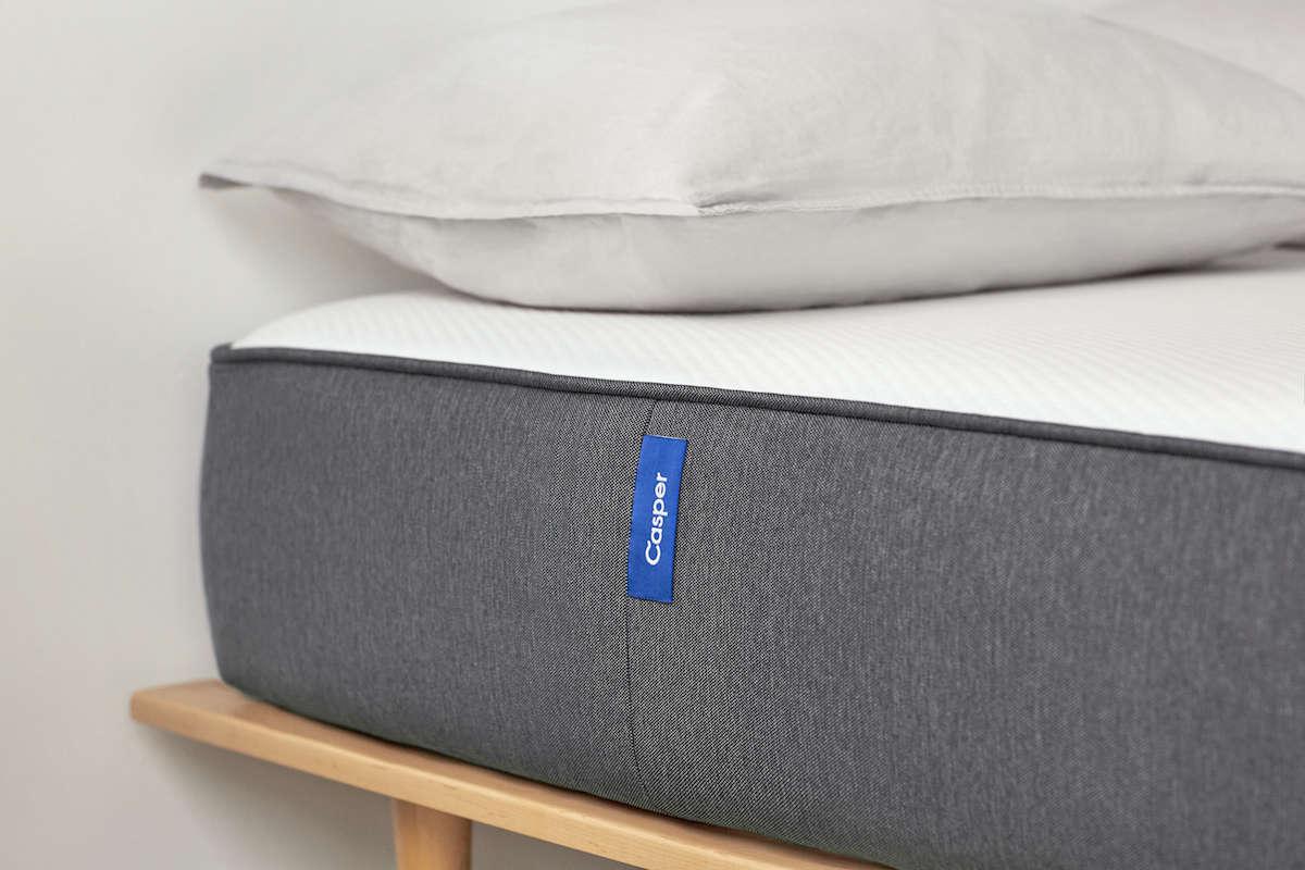 casper 39 s perfect mattress with a gardenista reader discount gardenista. Black Bedroom Furniture Sets. Home Design Ideas