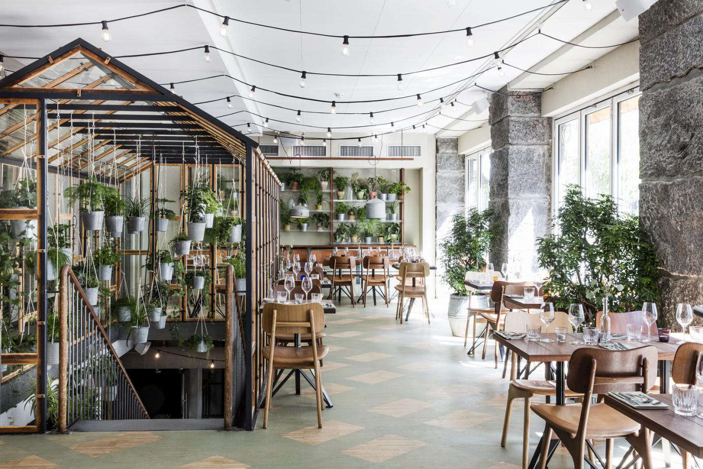 V kst a greenhouse restaurant in copenhagen gardenista for Interno 5 urban store
