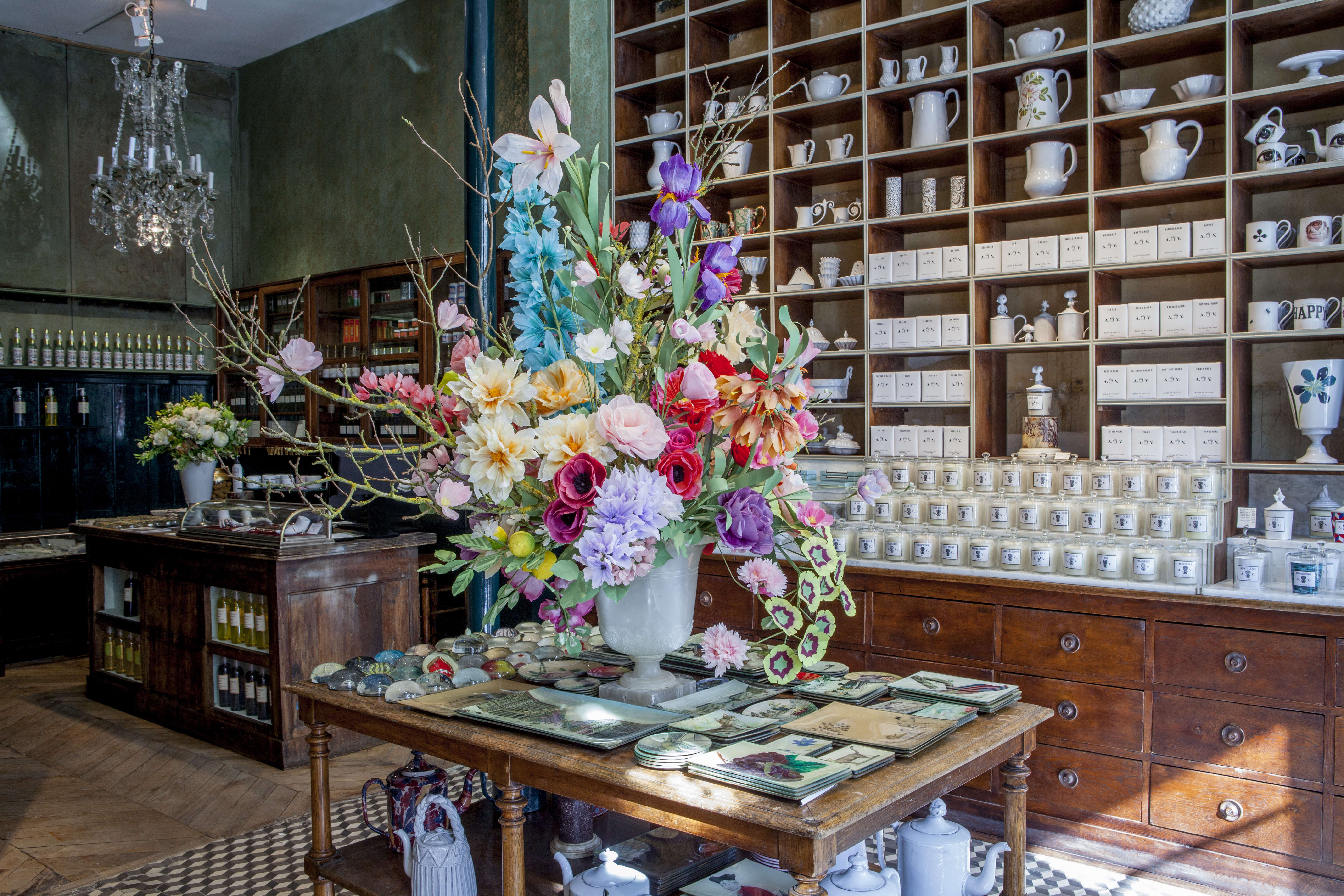 ceramics in the springtime astier de villatte 39 s new paris boutique remodelista. Black Bedroom Furniture Sets. Home Design Ideas