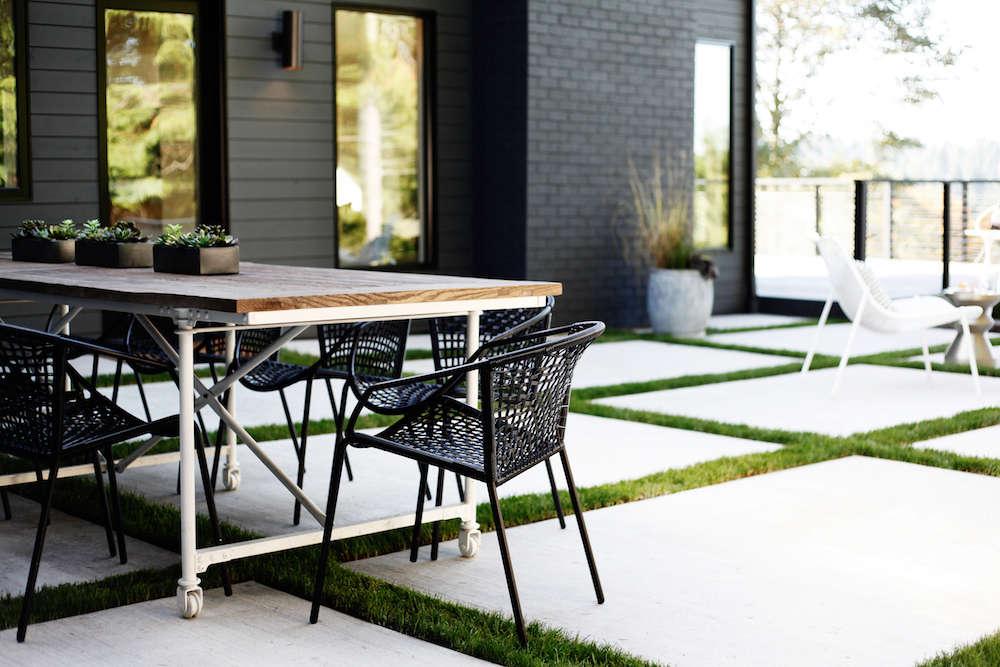 Superior Lblack White Patio  SDModernScandinavian7_Seattle_Bellevue_outdoor Dining Gardenista