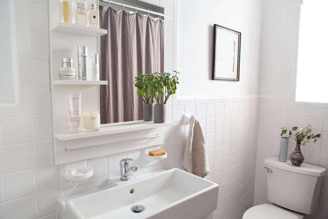 Before After A Perfectionist S 1 000 Bathroom Overhaul