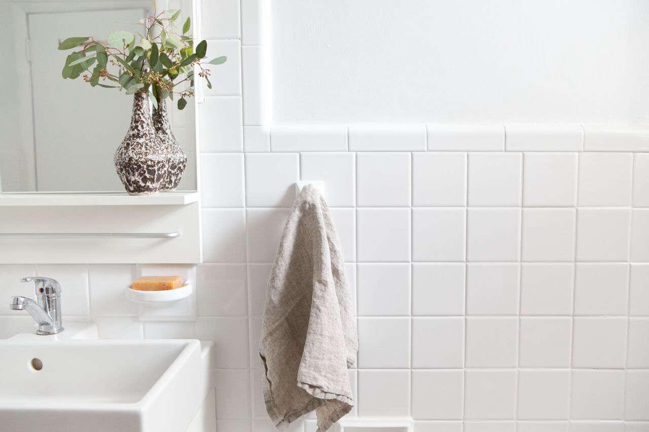 A Perfectionist S 1 000 Bathroom, Reglaze Bathroom Tile