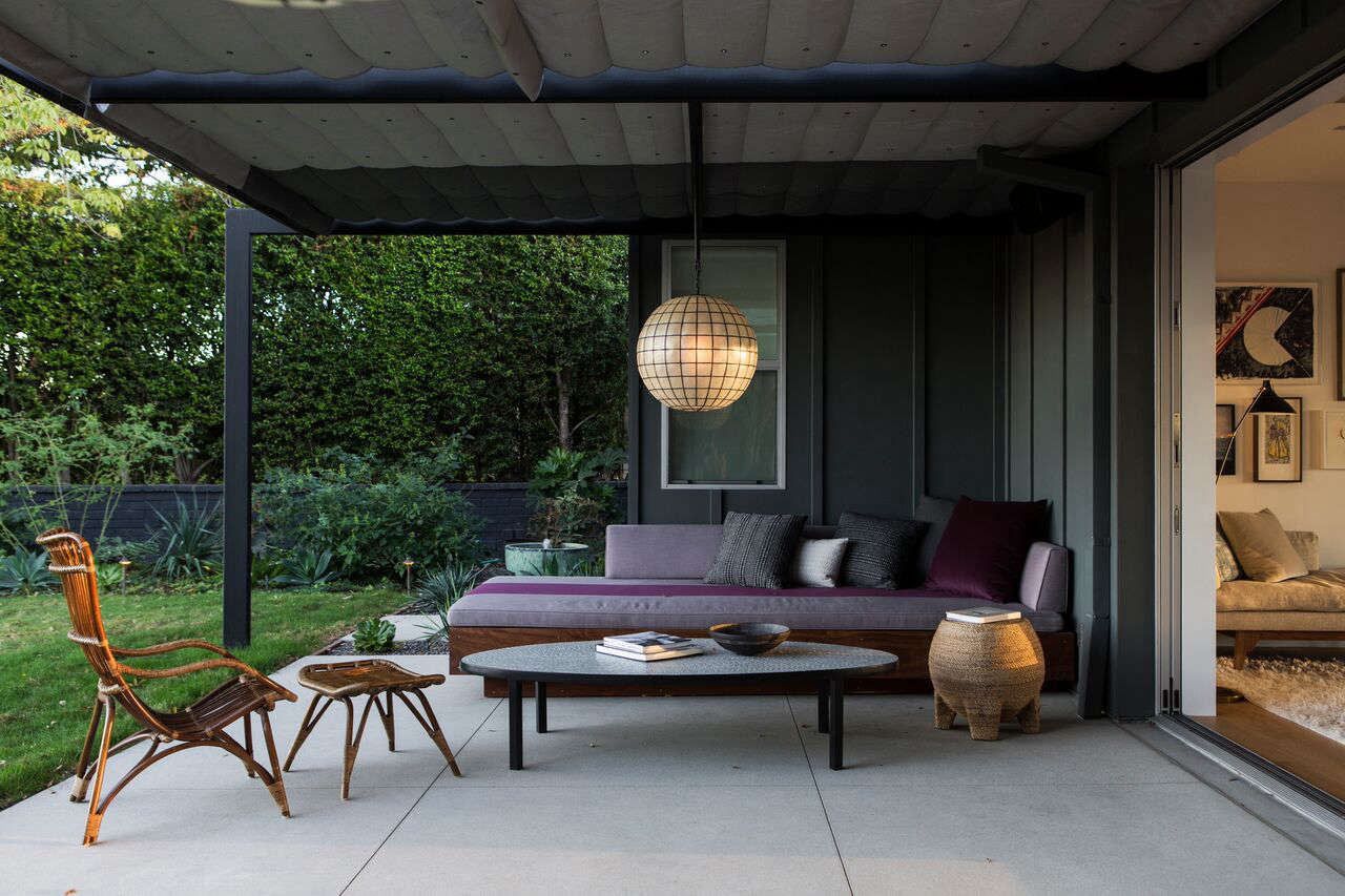 Indoor-Outdoor Living: An LA Ranch Rehab by Barbara Bestor ... on Garden And Outdoor Living id=17169