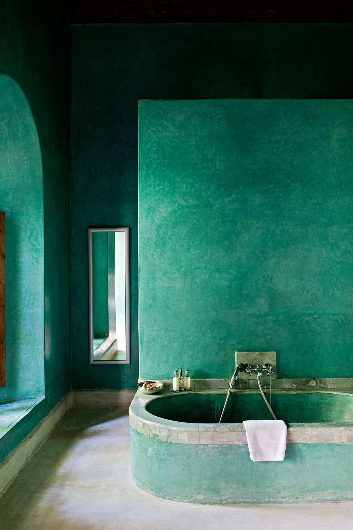 Trend Alert: 13 Sculptural Baths and Showers | Remodelista ...