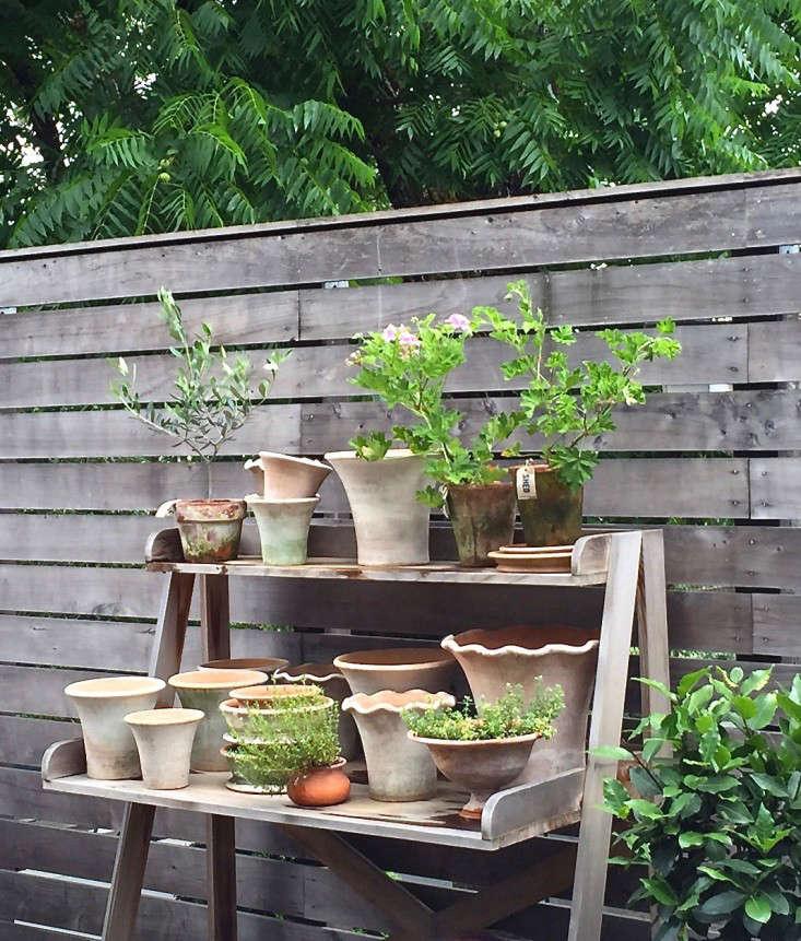 healdsburg-shed-potting-table-horizontal-fence-gardenista copy