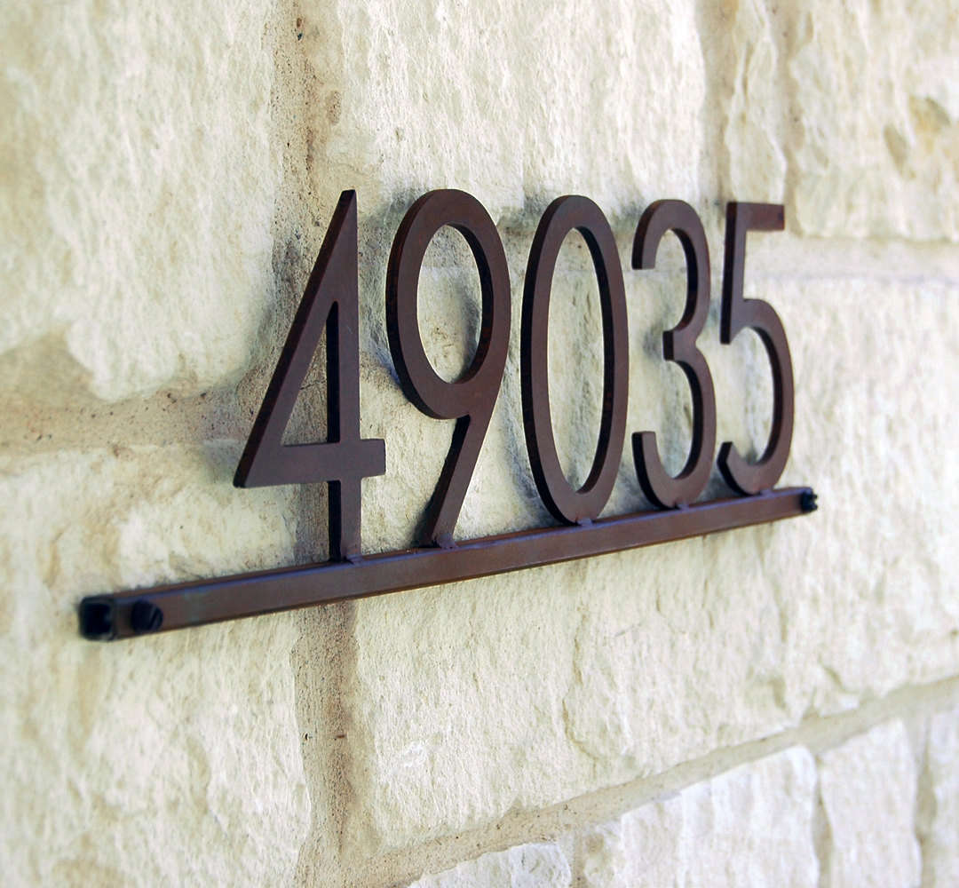 10 Easy Pieces: Modernist Metal House Numbers: Gardenista
