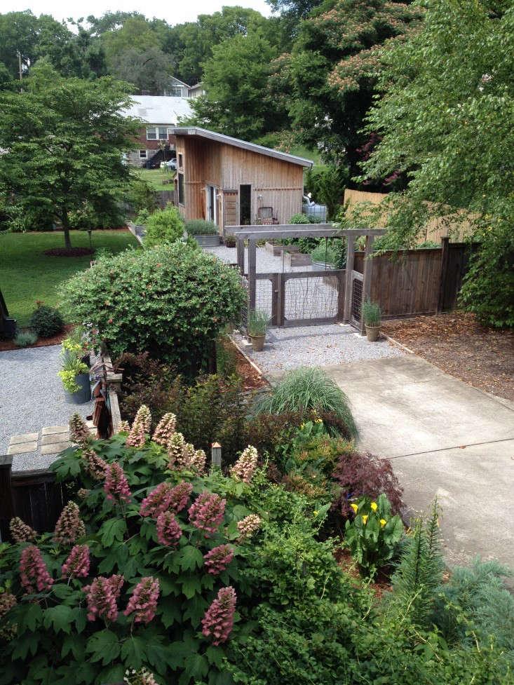 Trending on gardenista quick fixes indoor outdoor for Quick garden buildings