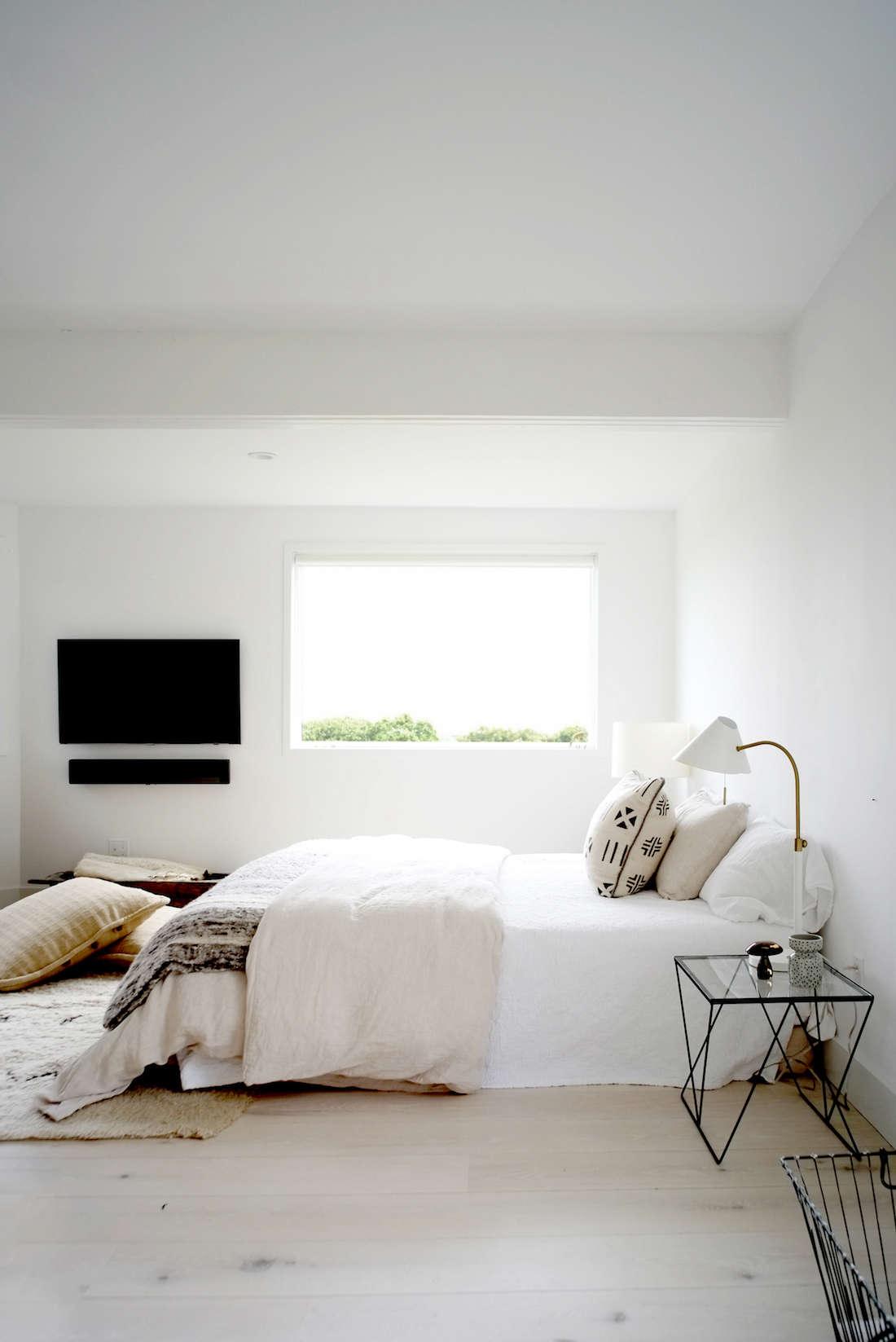 Minimalist Beach House: The Simple Life: A Montauk Beach House For A Creative