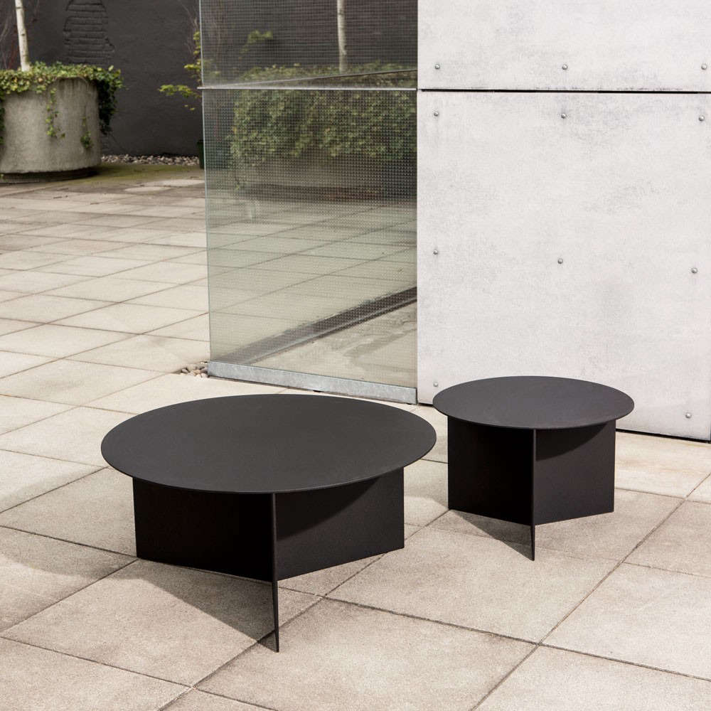 round outdoor coffee table. 10 Easy Pieces: Round Outdoor Coffee Tables | Gardenista: Sourcebook For Living Bloglovin\u0027 Table