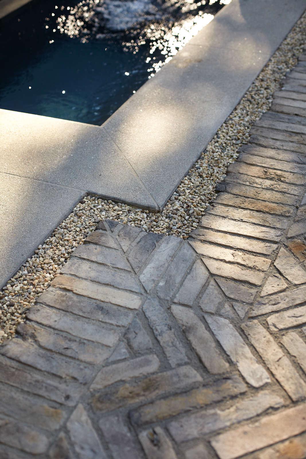 Sneak Peek Garden Design Magazine S Aged Elegance