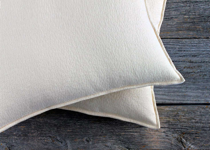 10 Easy Pieces Organic Bed Pillows Remodelista