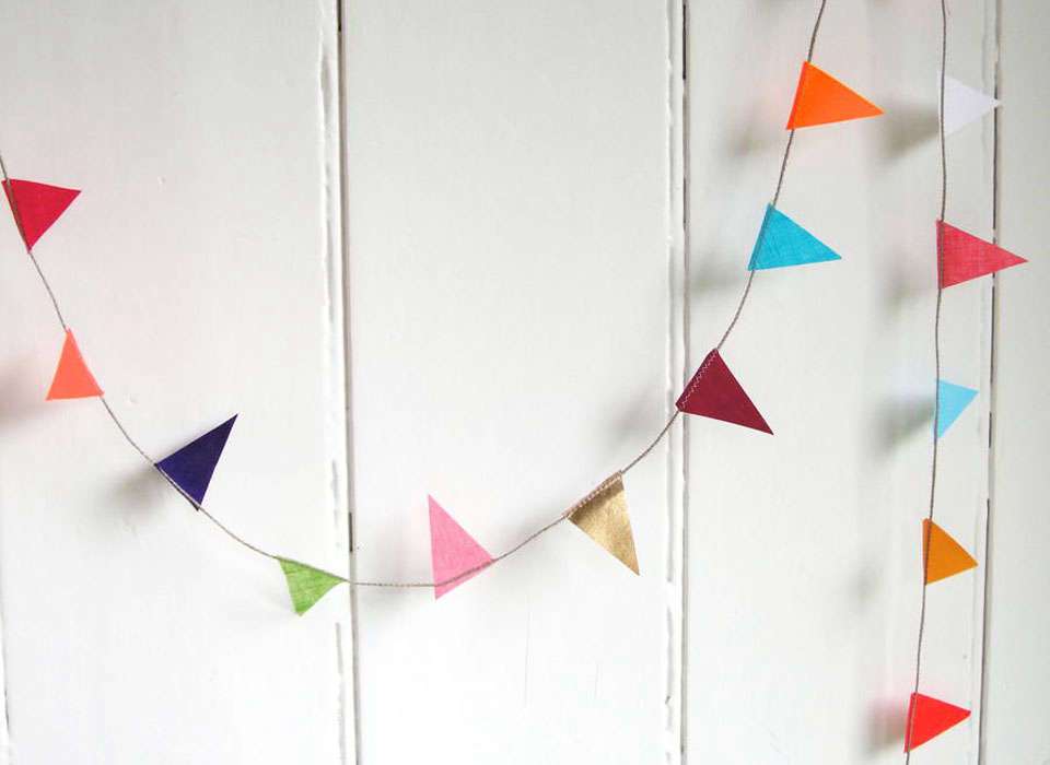 Studio Bell Tiny Traditional Bunting