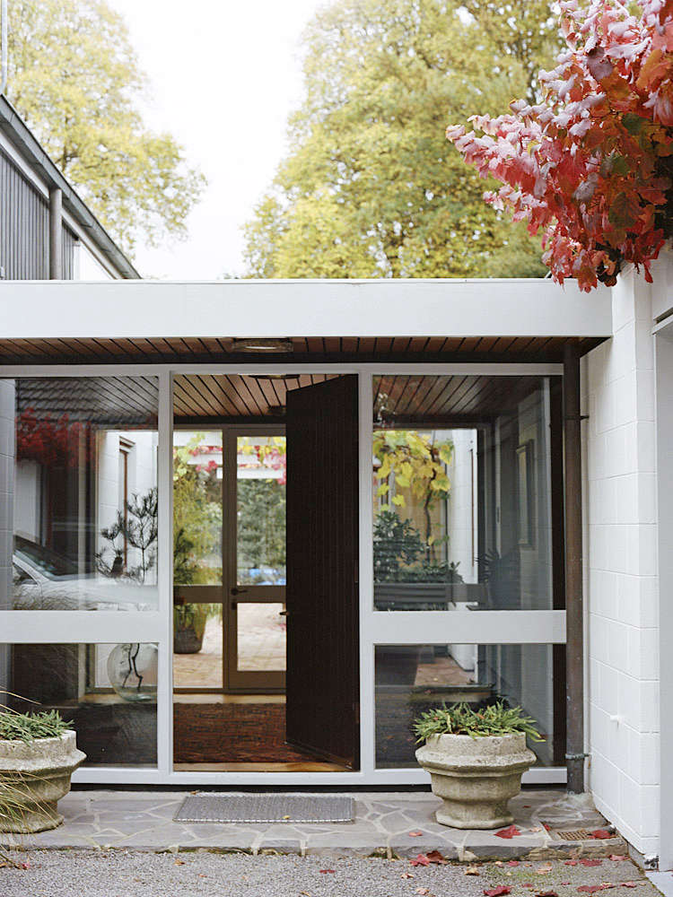 On The Market An Iconic Midcentury House In Christchurch New Zealand Remodelista