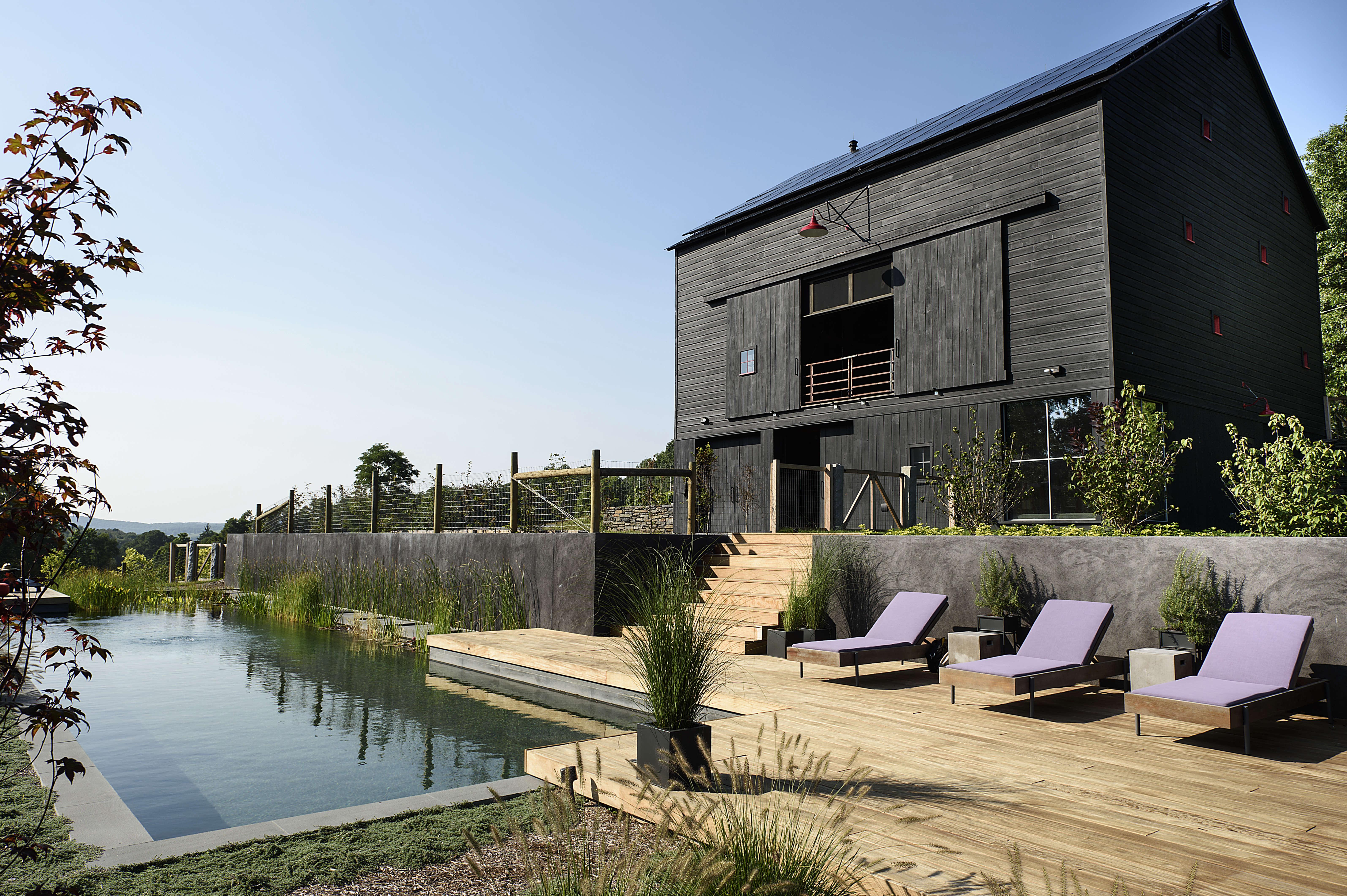 Barliswedlick Barn Swimming Pool Loungers