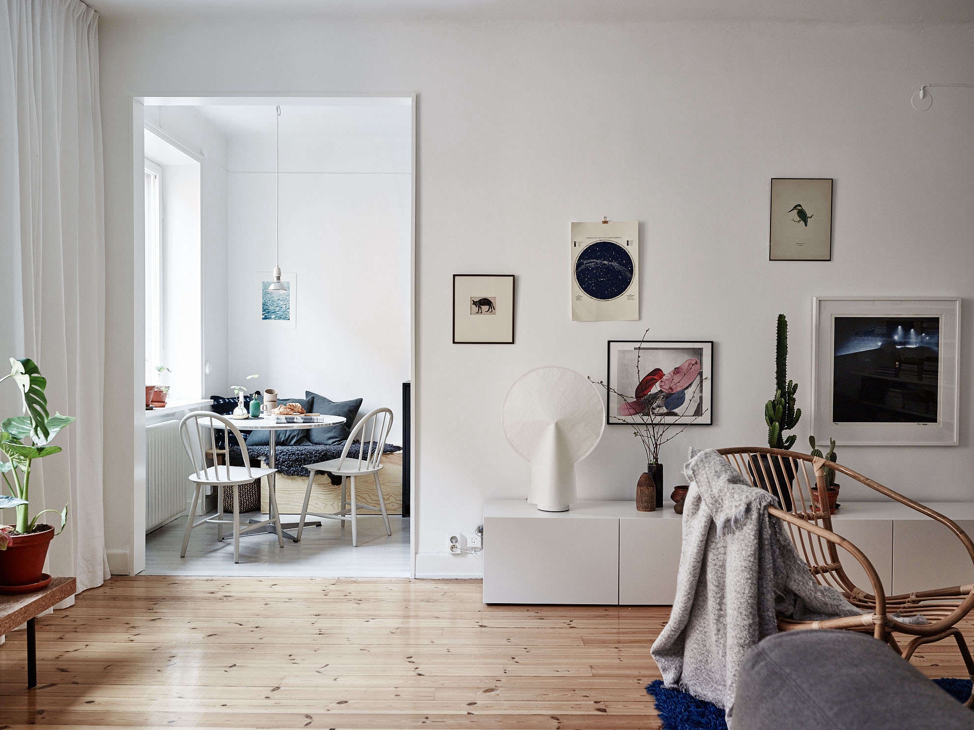 A Summery Flat In Stockholm With Affordable Small Space