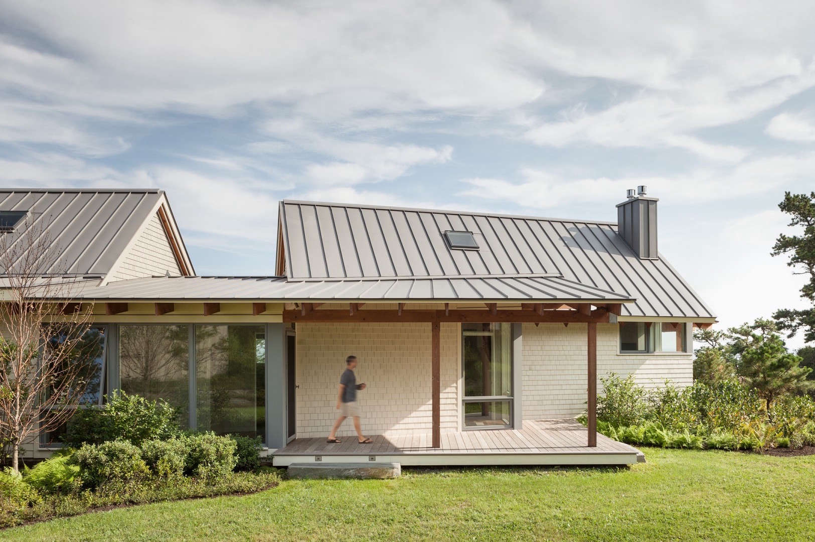 10 favorites wood shingled beach houses from the remodelista