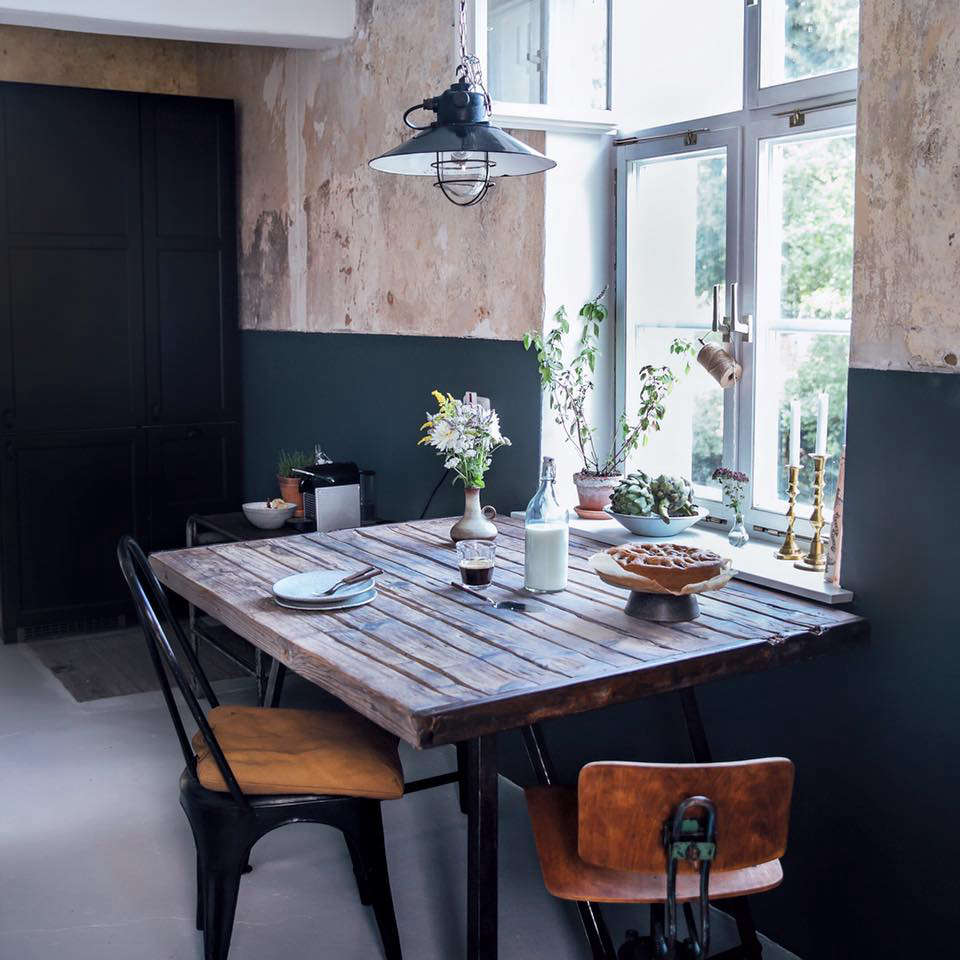 kitchen of the week a diy ikea country kitchen for two. Black Bedroom Furniture Sets. Home Design Ideas