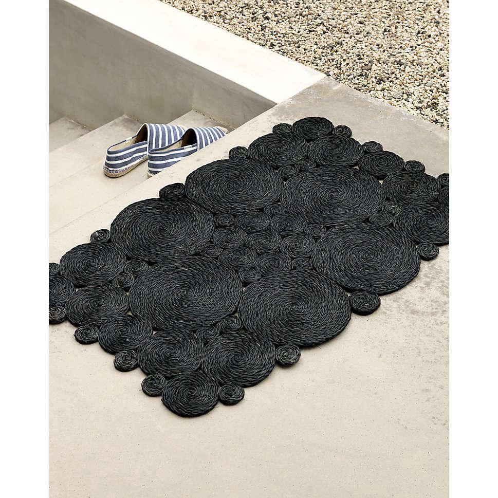 10 Easy Pieces Chimineas Gardenista: 10 Easy Pieces: Glamorous Black Doormats