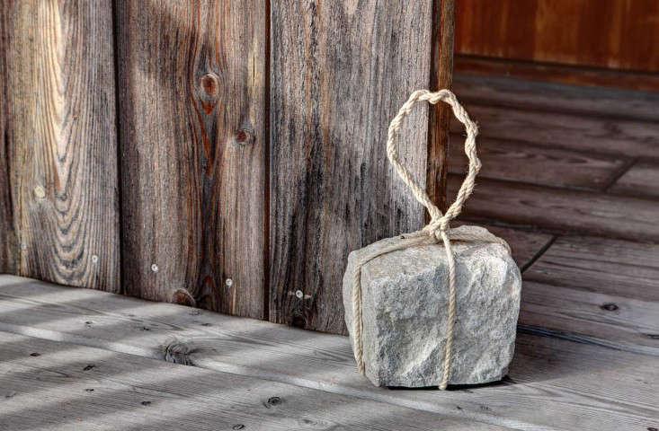 cobblestone-doorstop-japanese-gardenista