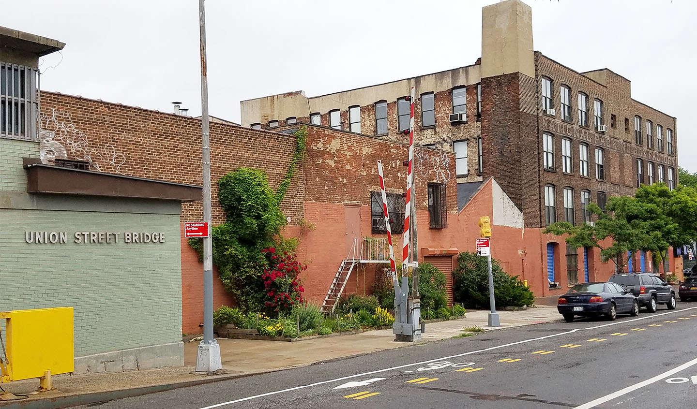 Goodbye, Gowanus: After 15 Years, a Brooklyn Sidewalk Gardener is ...