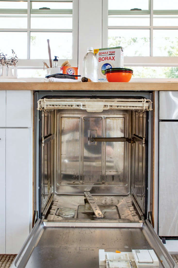 Domestic Science Tip How To Clean A Dishwasher Remodelista