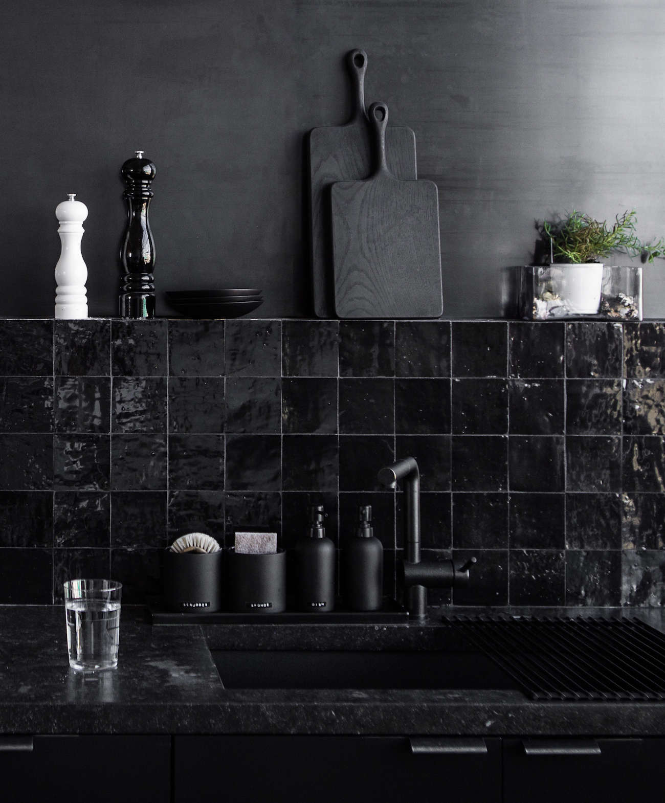 Kitchen With Black Tiles: Kitchen Of The Week: A Study In Black By Designer Nicole