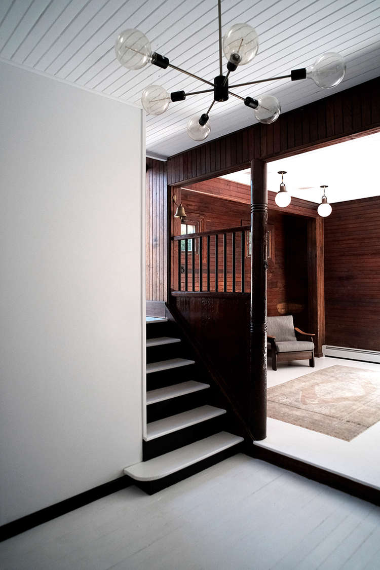 Entry-with-stair-and-chandelier-space-exploration