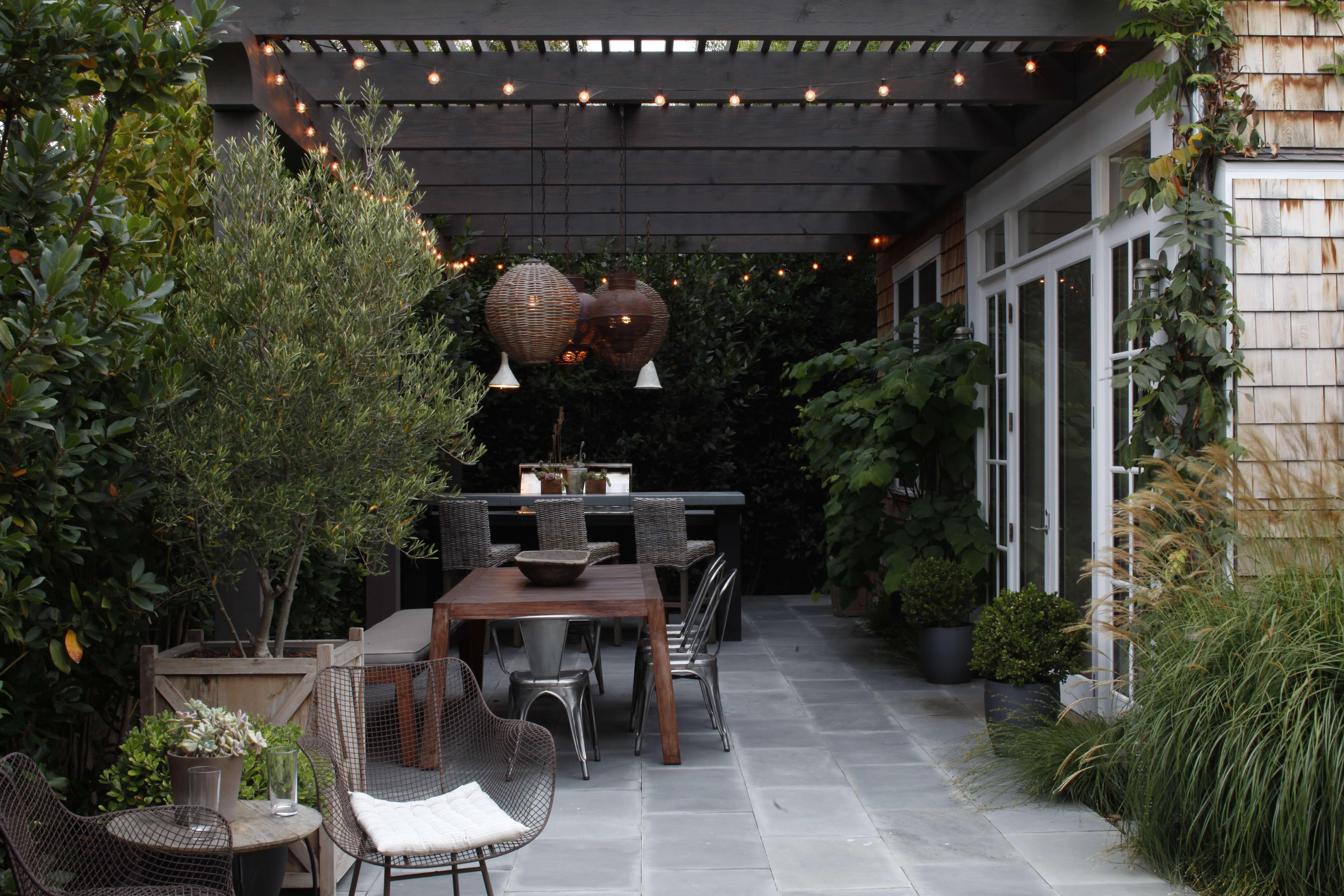 10 easy pieces patio pavers gardenista sourcebook for outdoor