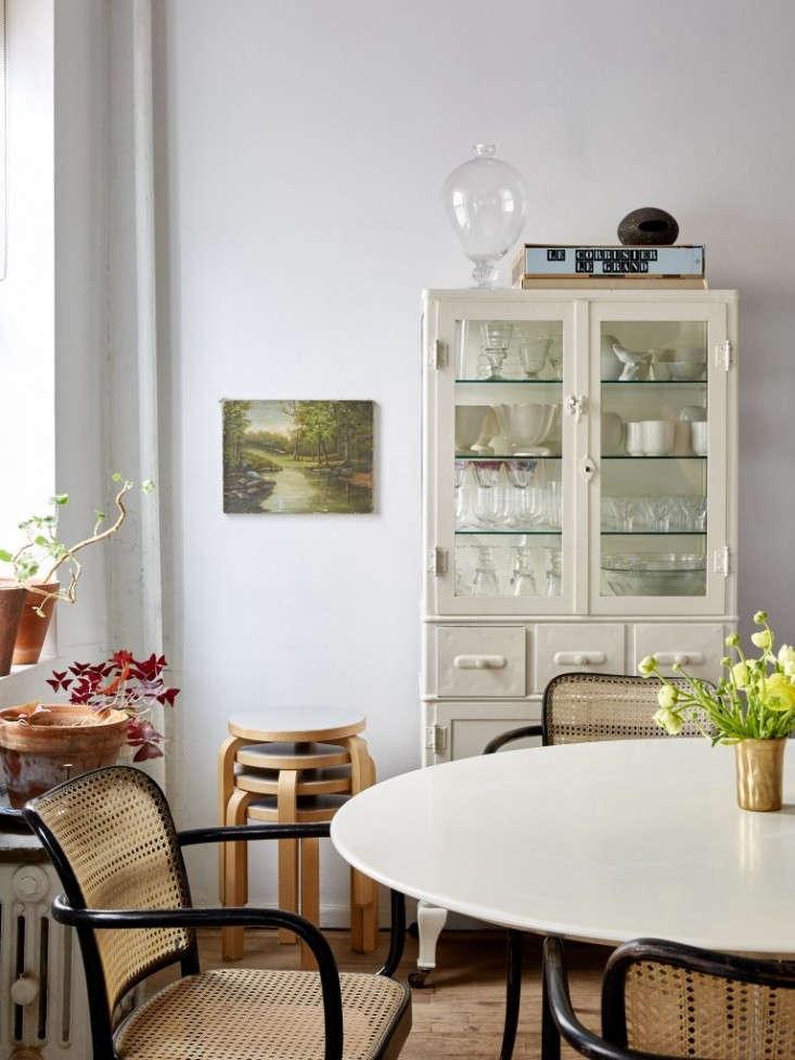 Renata-Bokalo-and-Roman-Luba-apartment-Kate-Sears-photo-Remodelista-5-768x1024