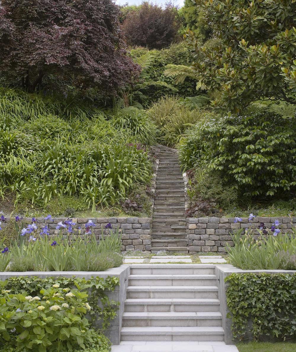 Pretty Stone Garden Walls: Hardscaping 101: Retaining Walls