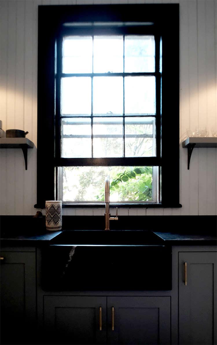 kitchen-sink-black-with-black-windows-space-exploration