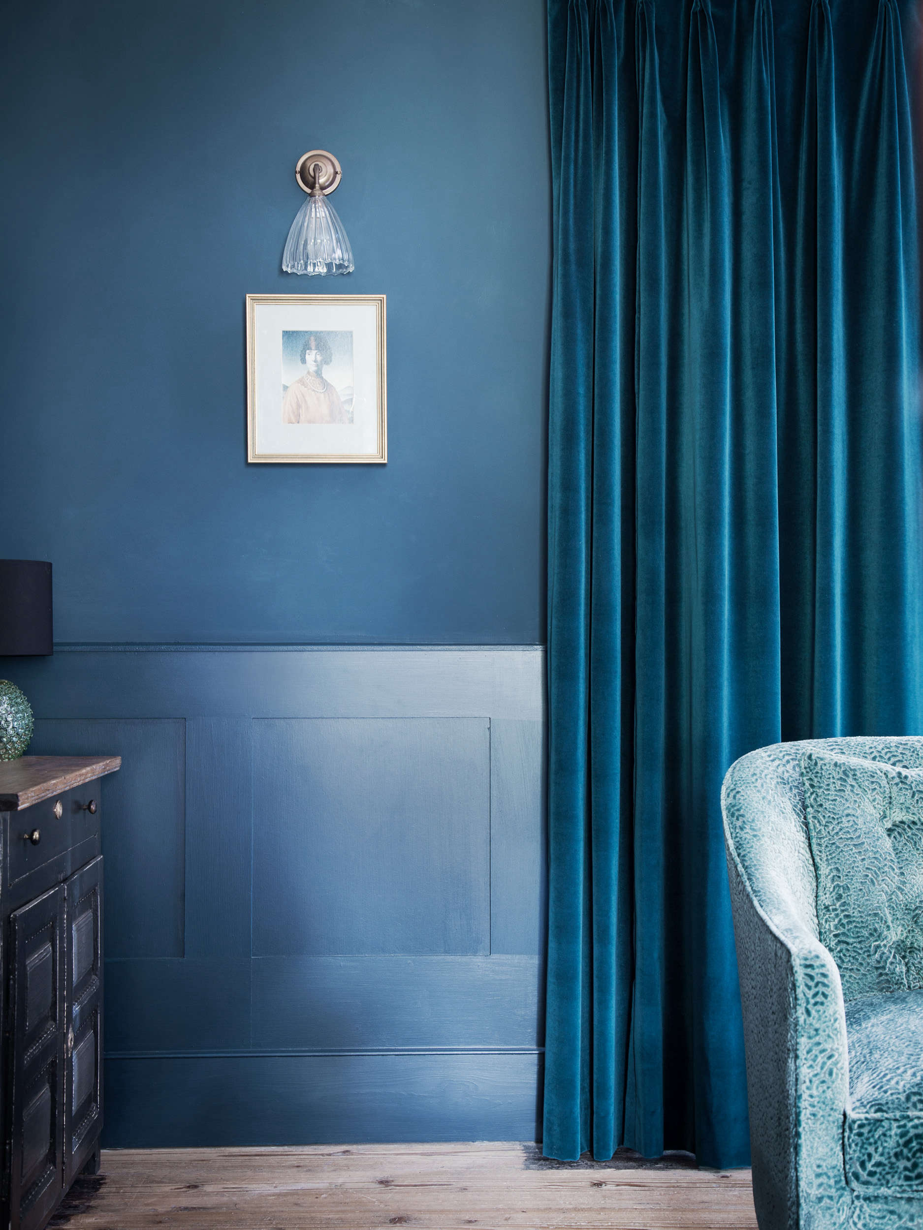 Blue Curtains in Blue Dorset House by Mark Lewis, Photo by Rory Gardiner