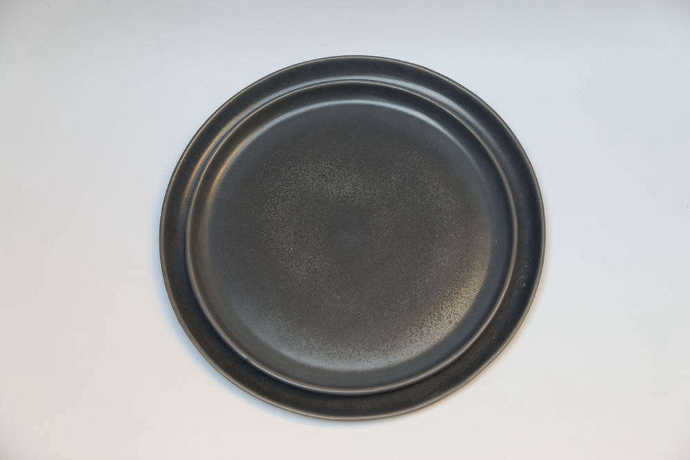 Easy Pieces Dramatic Black Dinnerware Remodelista