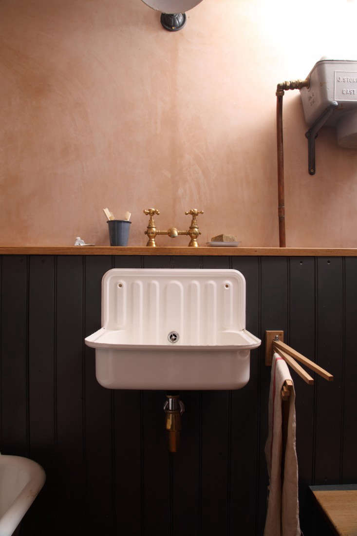 Bathroom Of The Week A Vintage Inspired Bath In London