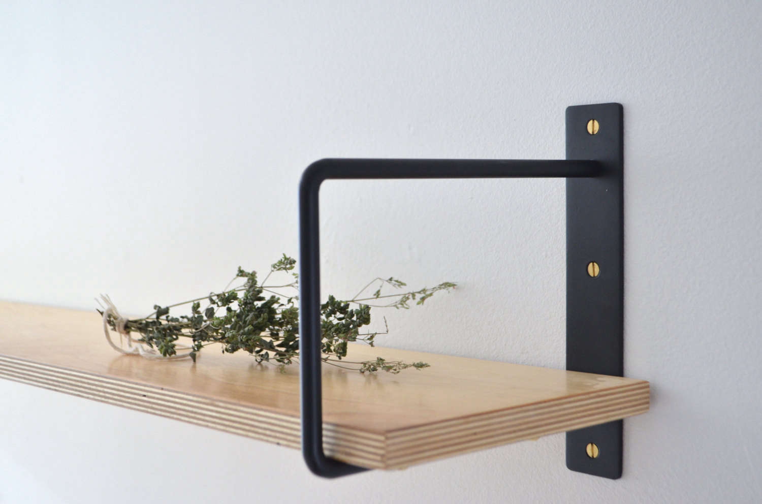 Sleek well priced shelf brackets handmade in montreal for Mobilier