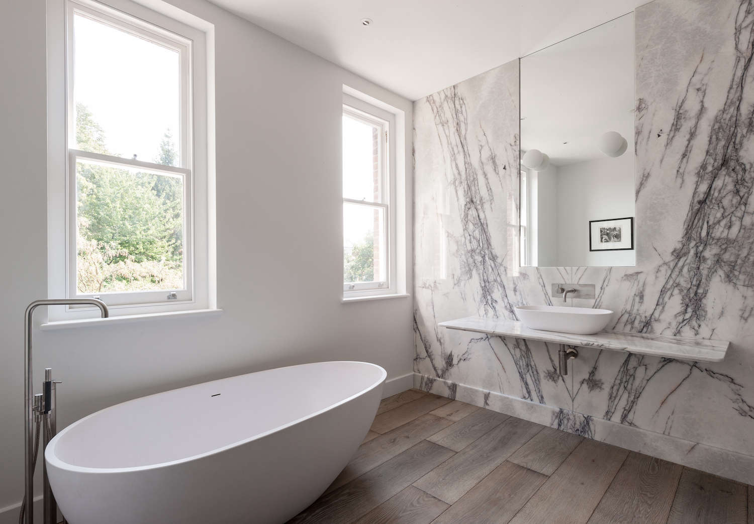 Bathroom of the week in london a dramatic turkish marble for Bathroom ideas marble tile