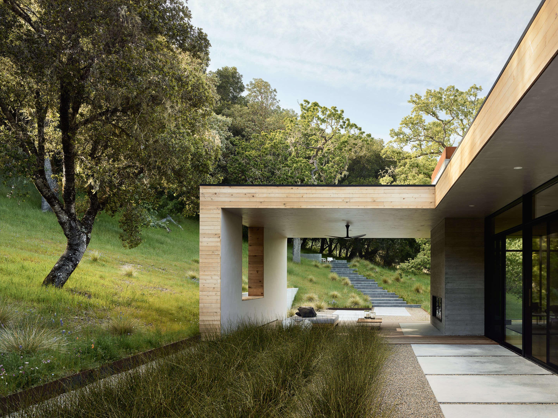 Carmel-Valley-Landscape-Mediterranean-Concrete-Garden-Piechota