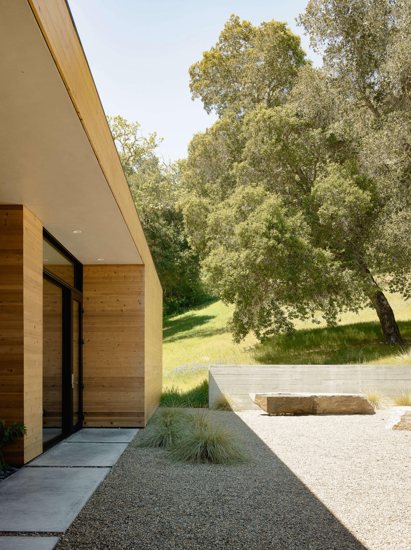 Carmel-Valley-Landscape-Mediterranean-gravel-wood-exterior-Piechota