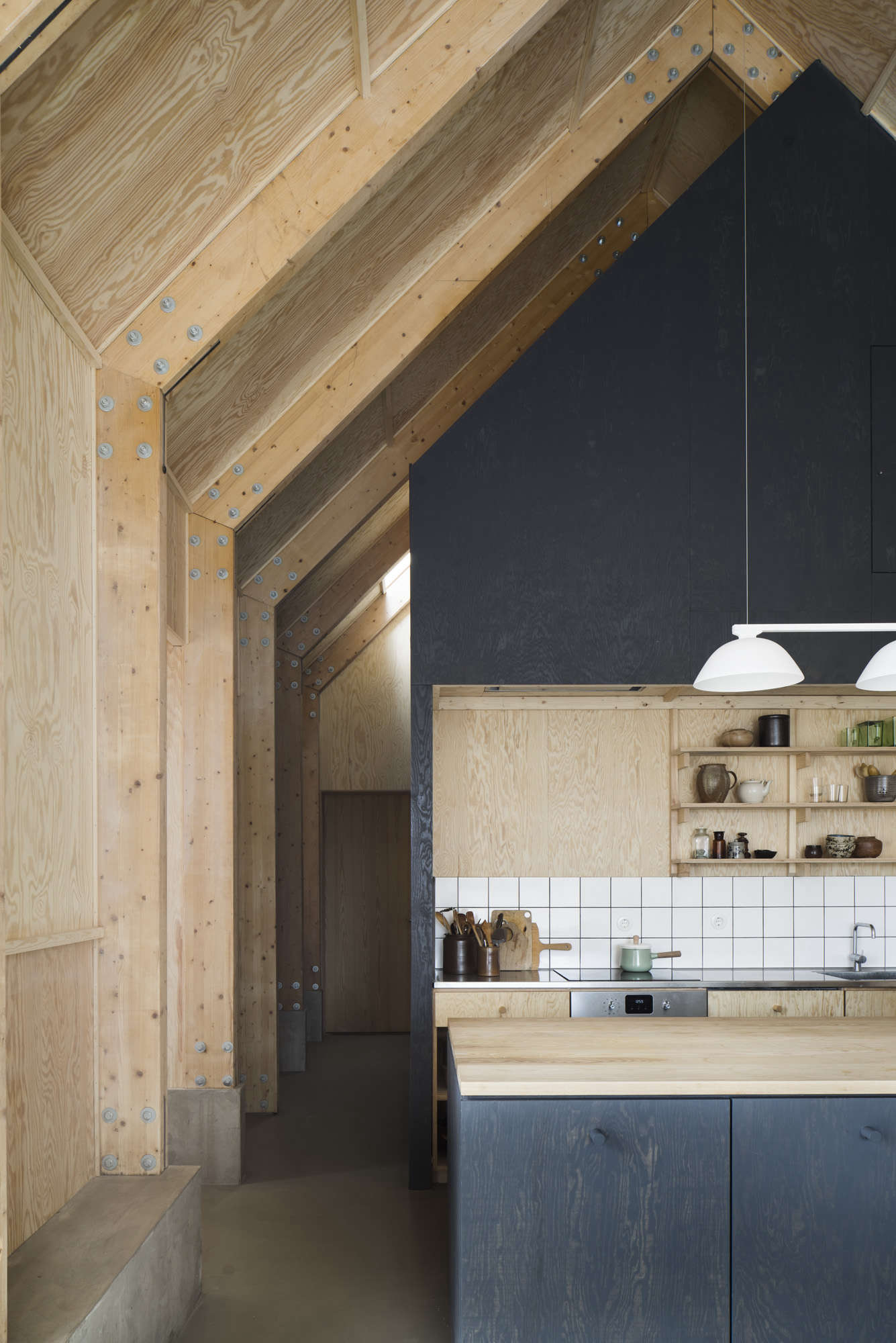 Kitchen of the Week: A Cost-Conscious Kitchen in Sweden