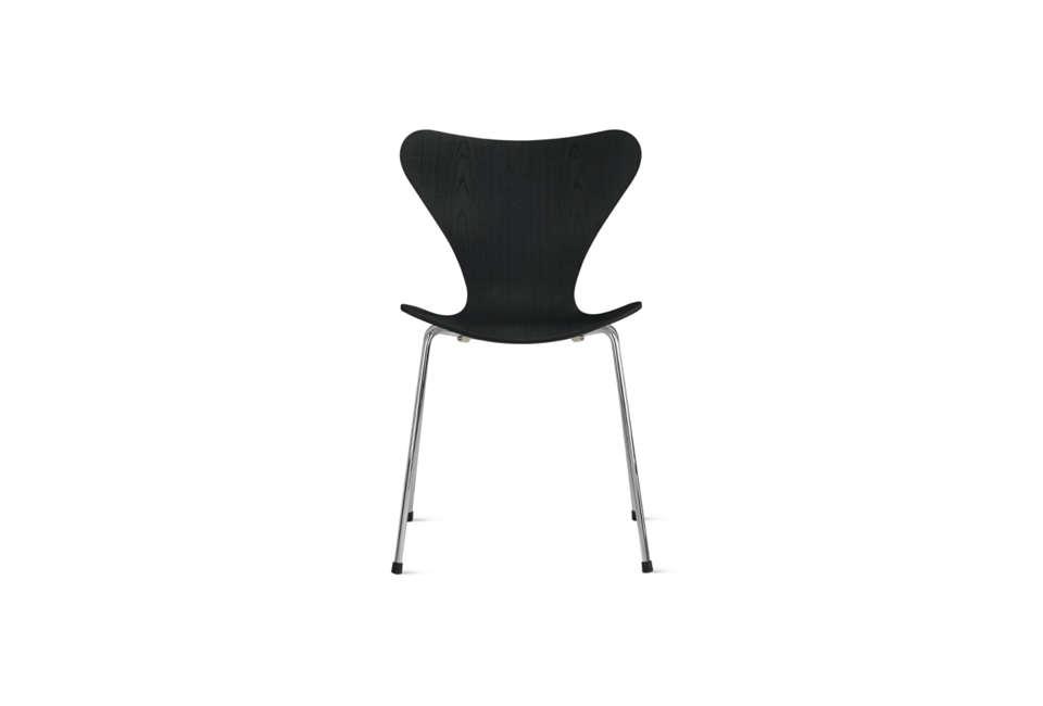 Arne Jacobsen Series 7 Chair in Black Ash